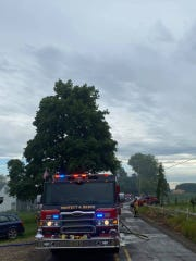 The structure firewas reported around 4:30 p.m. in the 7500 block of Lakeside Drive NE off of Highway 99E, according toMarion County Fire District #1.