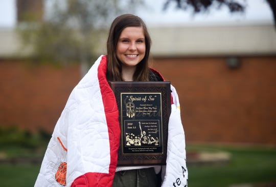 Emma Osmundson receives the Spirit of Su award in a surprise ceremony on Tuesday, May 12, 2020 at Lincoln High School in Sioux Falls, S.D.