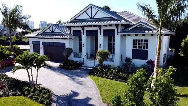Borelli Construction has announced the sale of its newest luxury model at 605 Parkview Lane in Park Shore.