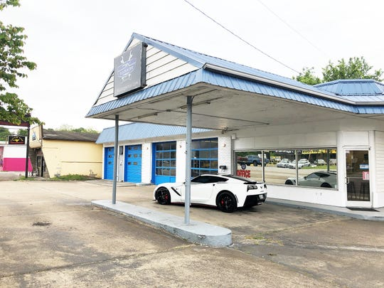 The DIY Garage Knox is at 6001 Chapman Highway in a former gas station that was built in 1958.