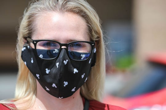 Delaina Anderson wears a homemade mask as she shops in Las Cruces on Thursday, May 14, 2020.