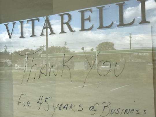 A hand-written message thanks customers at the now-closed Vitarelli's Restaurant in Cherry Hill.