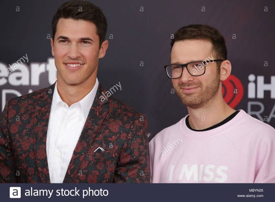The second guest was Rob Resnick, who started the hit band Timeflies with his college friend, Cal Shapiro,. Timeflies have sold over 150,000 albums and 800,000 singles with over 175 million video views and 261 million Spotify streams.