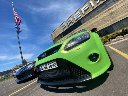 """A Ford Focus RS looks rad in green at the Auburn Hills """"Afternoon Cruise."""""""