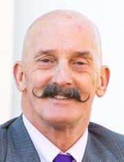 Mark D Welch