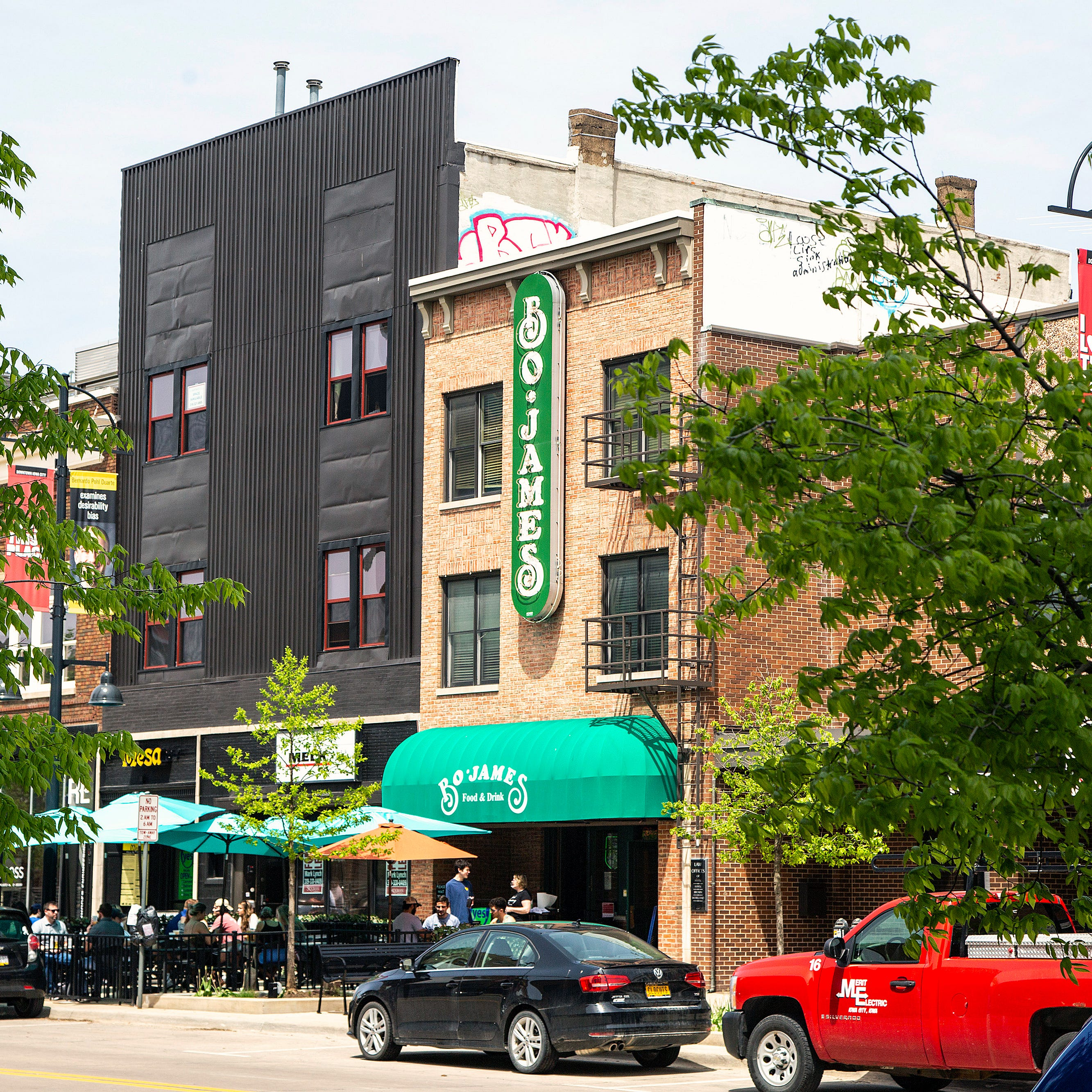 Iowa City Restaurants Reopen For Dining