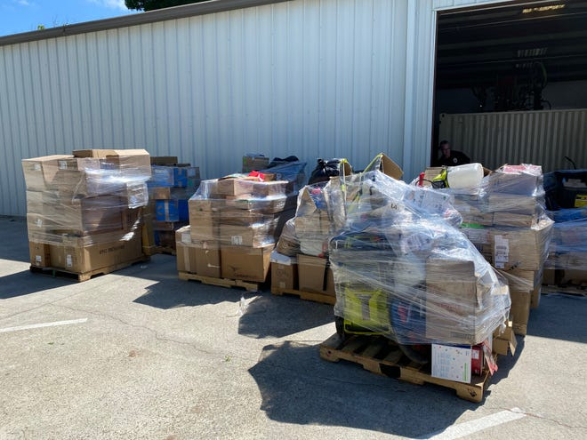 Visalia detectives seized 300 stolen packages in Poplar. An OnTrac delivery driver was arrested on suspicion of embezzling the merchandise.