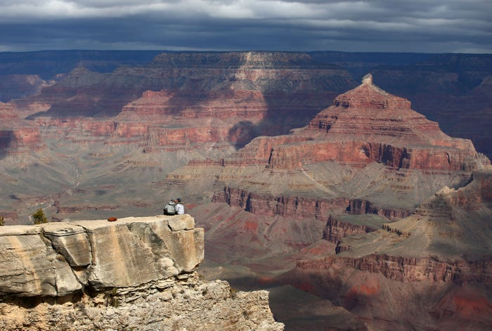 Tourists enter reopened Grand Canyon National Park despite coronavirus concerns