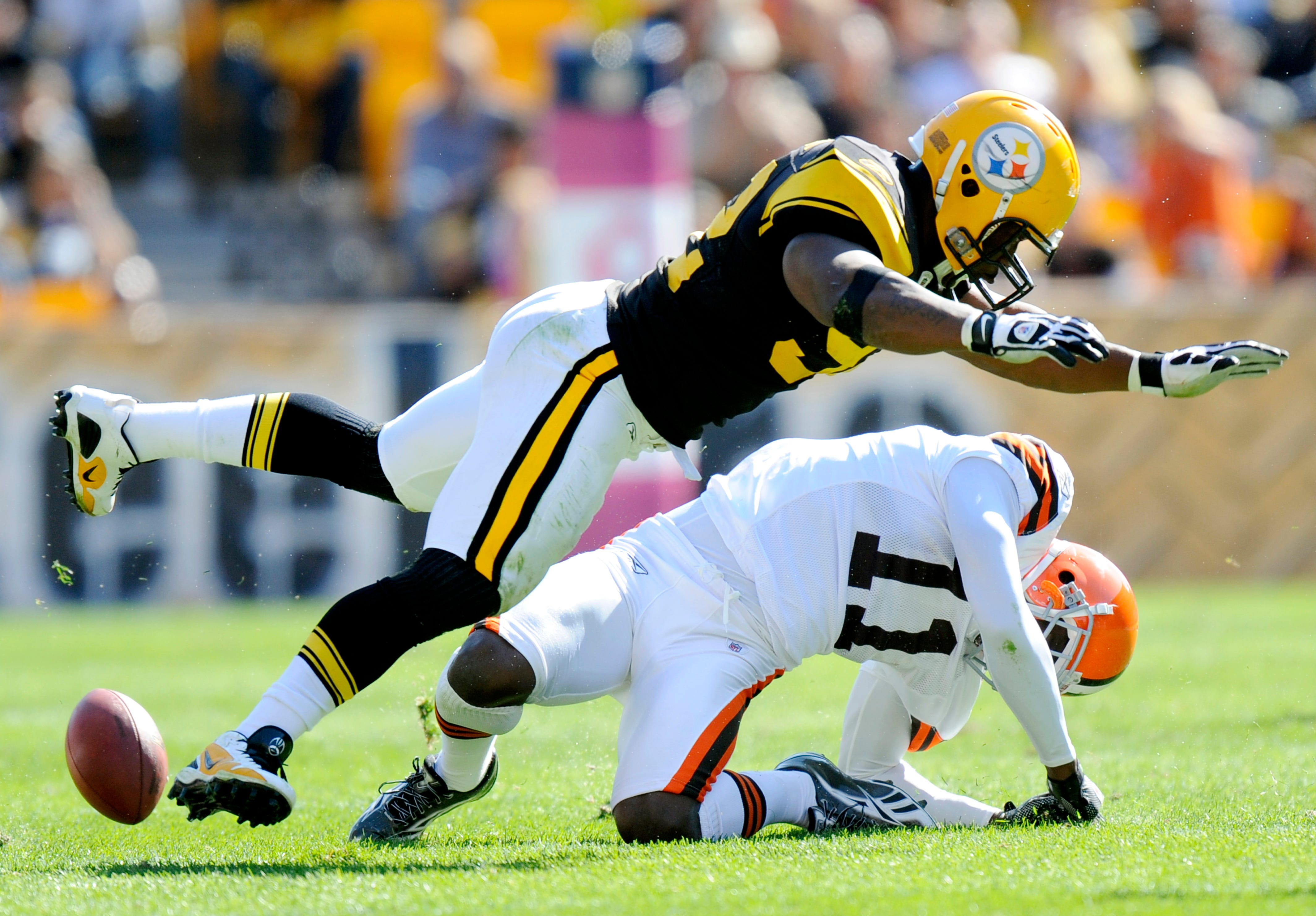 Steelers respond to James Harrison saying Mike Tomlin  handed me an envelope  for 2010 NFL fine