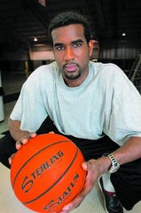 Former Salisbury University basketball player Andre Foreman will be inducted into the Small College Basketball Hall of Fame.