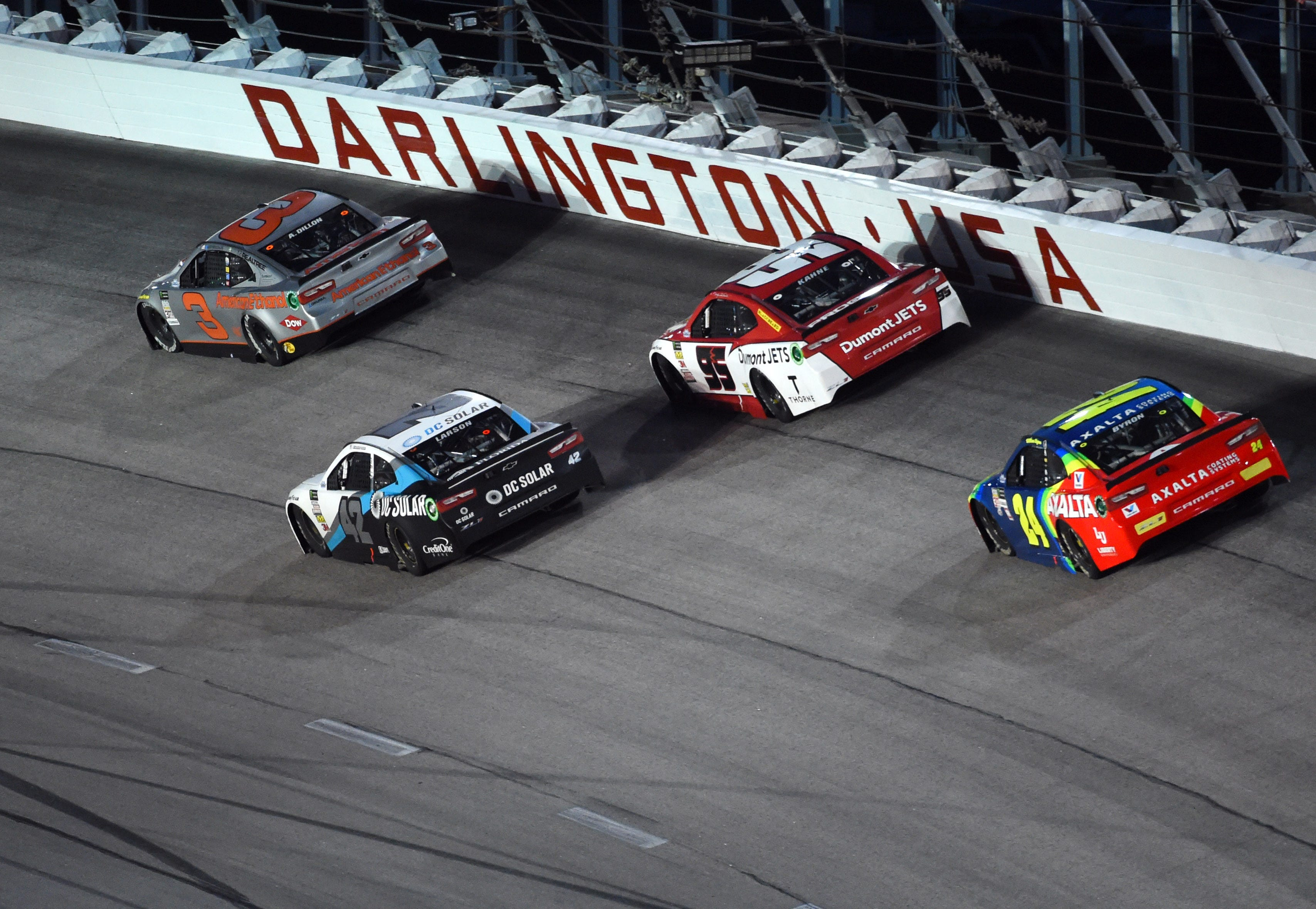 Opinion: Racing returns as NASCAR breathes life back into sports world