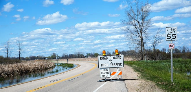 """The """"road closed"""" sign on County Y at Harbor Road as seen on Friday afternoon."""
