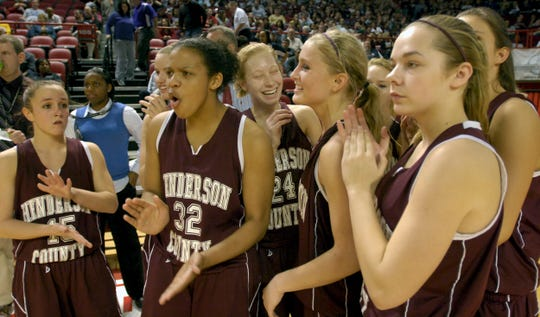 Henderson County's team celebrates the first-round win over Butler in the 2010 Sweet 16 in Bowling Green.