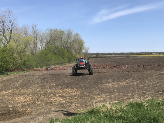 Planting progressed rapidly for small grains, corn, soybeans, alfalfa, potatoes and spring vegetables across Wisconsin prior to widespread rain showers over the weekend.
