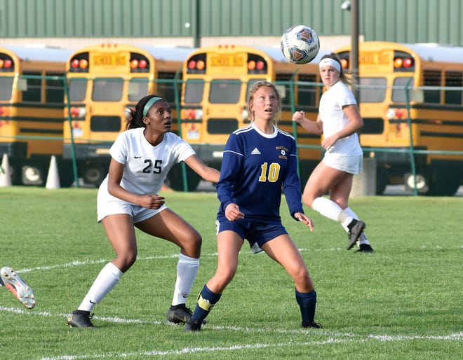 Hartland's Mary Storm (10) made third-team all-state in 2019.