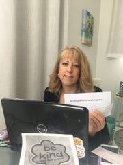 Suzanne Curry of Mahwah created CareCardsforCoronaCaregivers.