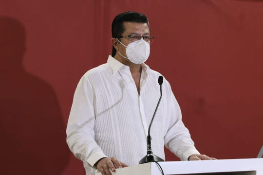 Juárez Mayor Armando Cabada has recovered and been cleared after testing positive for COVID-19.