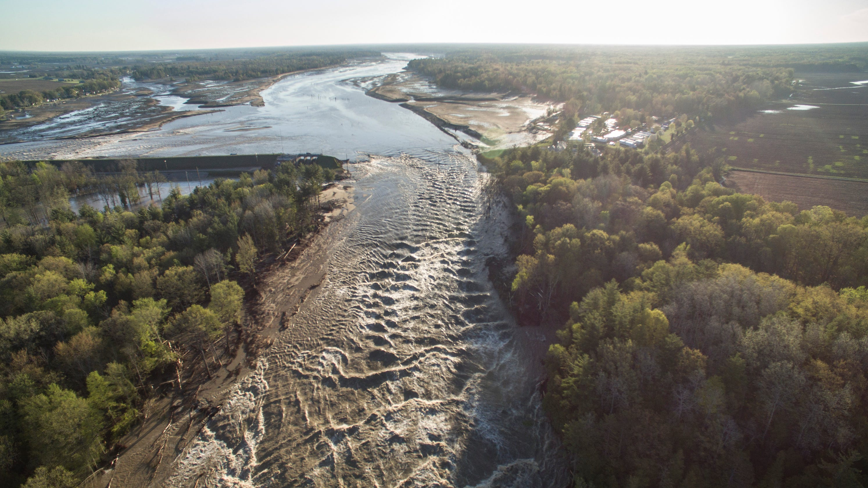 What we know about flooding in Michigan that breached two dams, forced 10,000 evacuations thumbnail