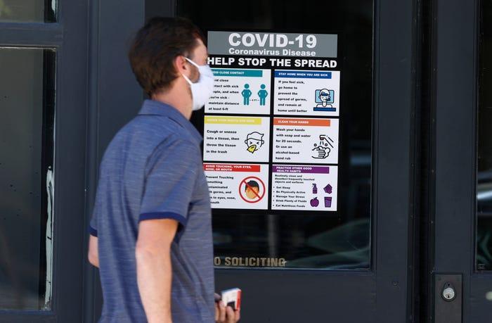 Coronavirus live updates: Global cases top 5M; new pool rules ahead of Memorial Day; Ohio, West Virginia reopen indoor dining
