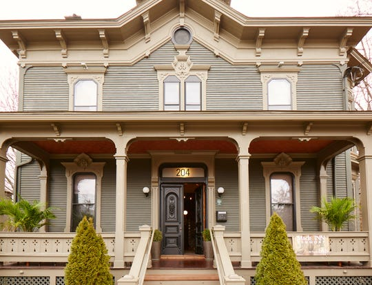 MadeINN Vermont, a 4-room bed and breakfast located in Burlington's Hill District.