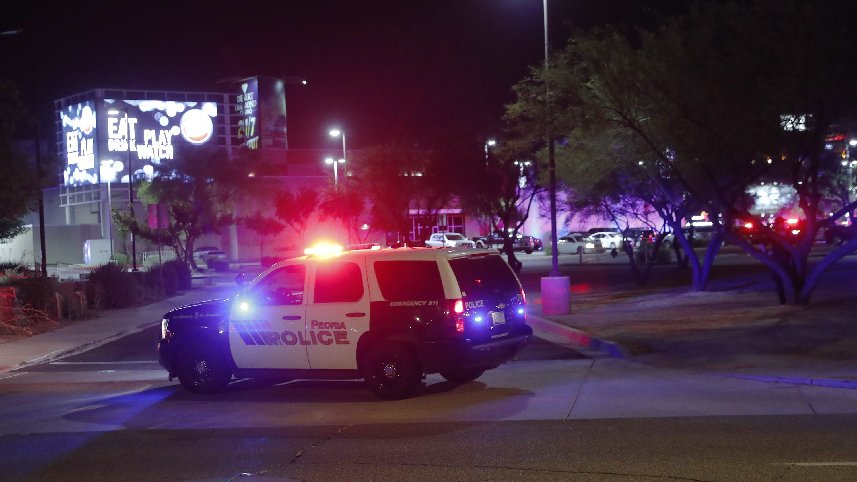 Photo of 'It's just unreal': Witnesses of Westgate shooting in Glendale describe shock, chaos | azcentral