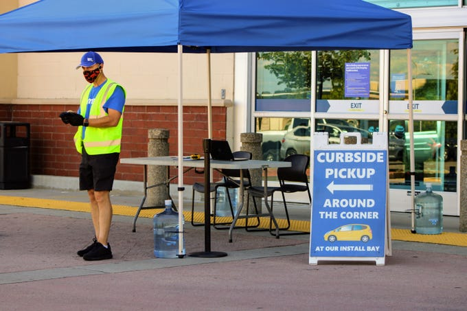 Redding's Best Buy offered curbside pickup to customers on Friday, May 22, 2020.