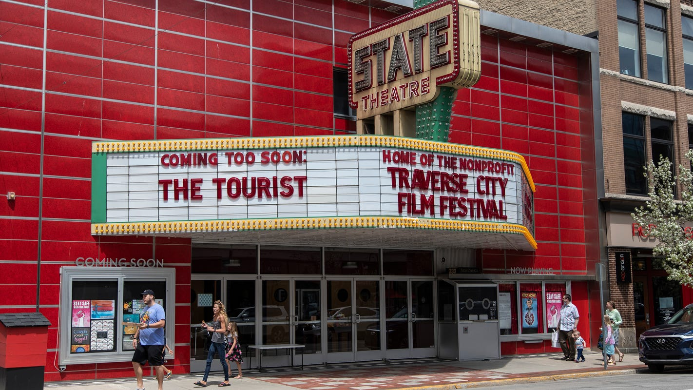 Traverse City business owners uneasy as tourists come to town