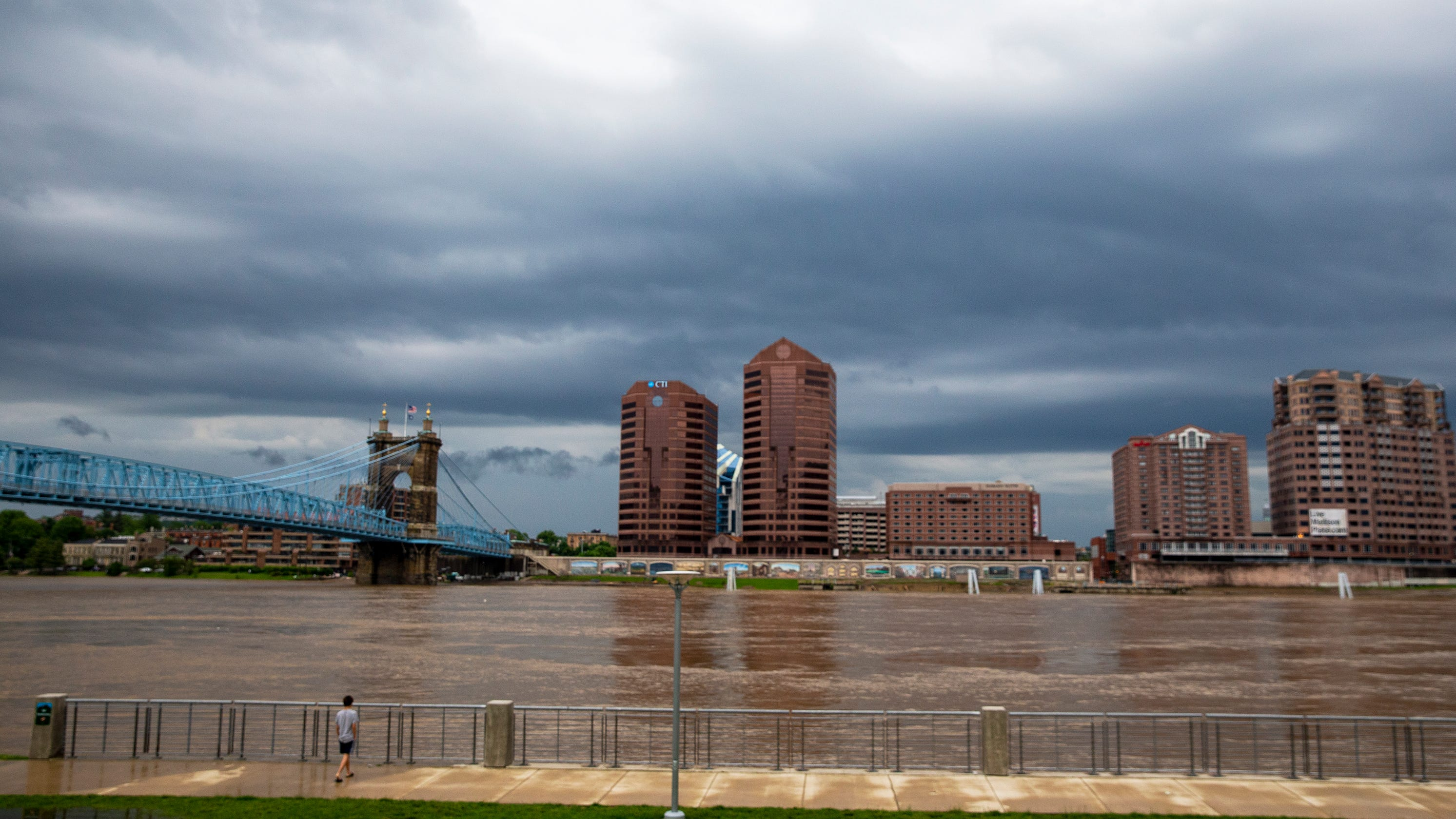 Weather: Severe weather threat passes through area, thunderstorms possible Thursday afternoon