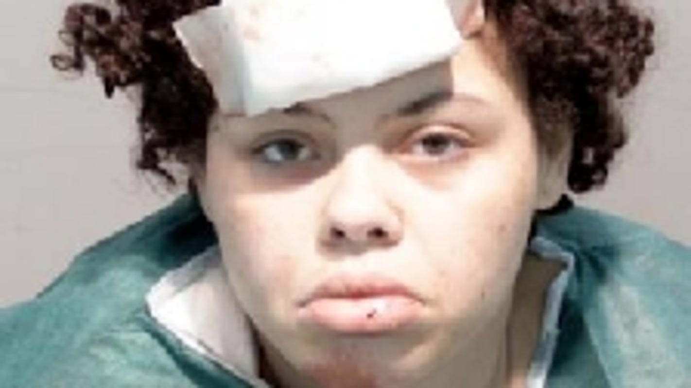 Mom charged in Detroit car crash that killed her two children, ages 2 and 3