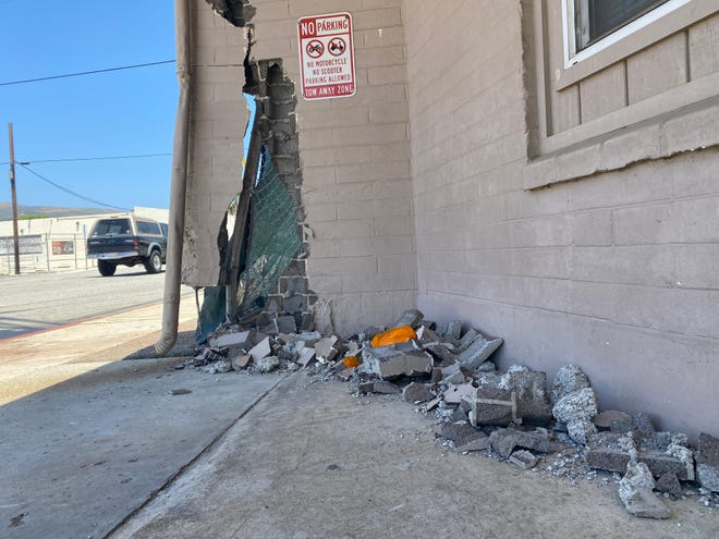 A building at the corner of Olive Street and Park Row Avenue in west Ventura was damaged Sunday after suspects in a shooting at Matilija Hot Springs lost control of a vehicle after fleeing the scene, officials say.