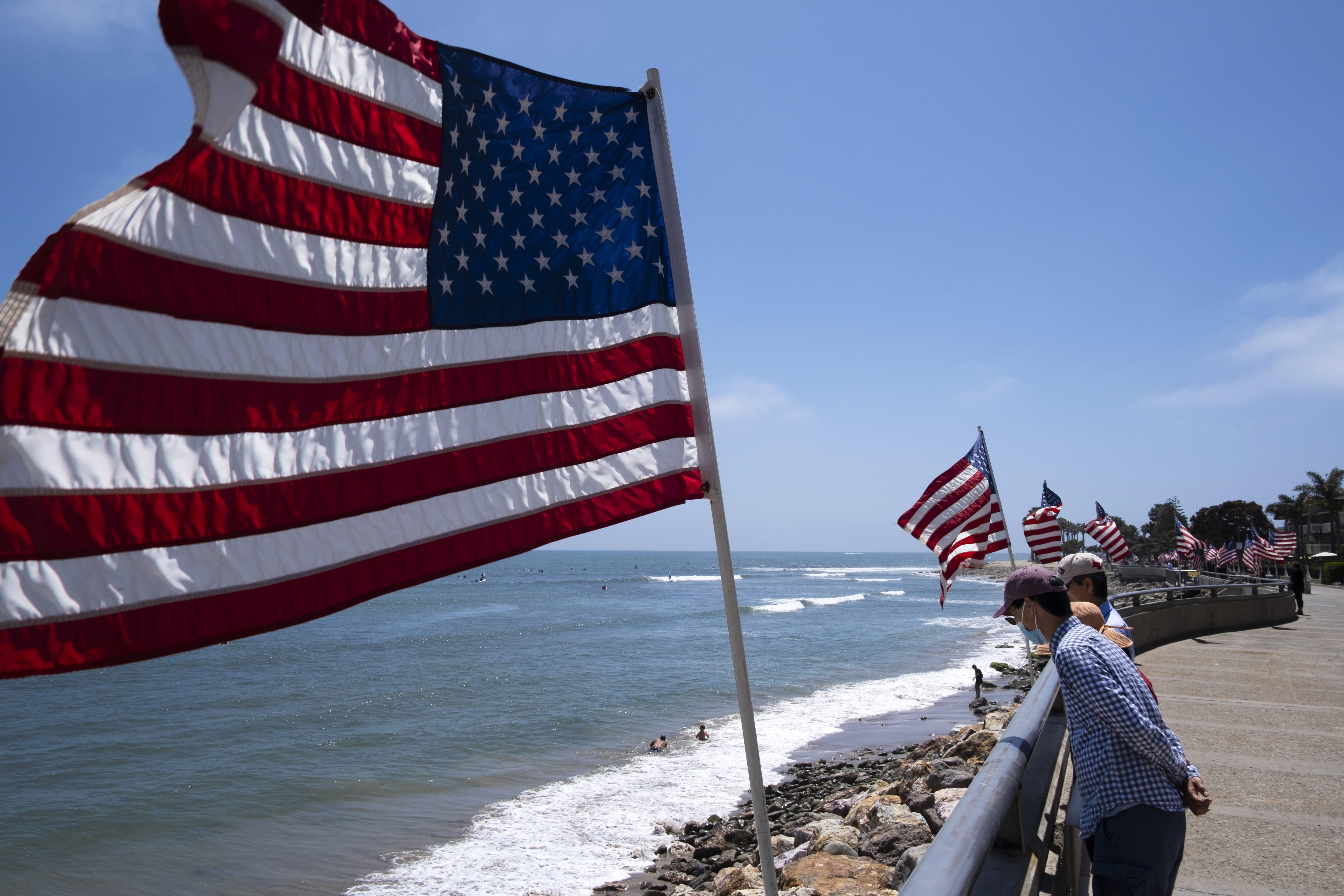 Memorial Day, California churches, 'SNL'marathon: 5 things you need to know Monday