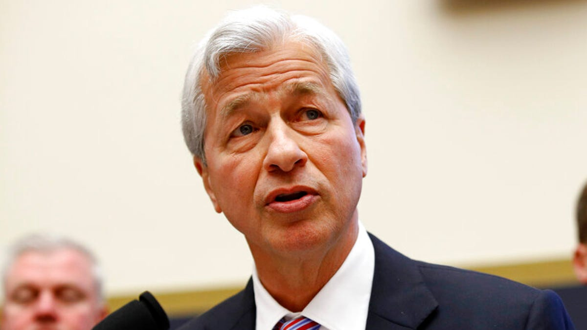Jamie Dimon says JPMorgan paused PAC giving to rethink its donations 1