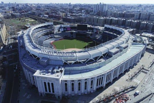 Vista aérea del Yankee Stadium en Nueva York, el jueves 26 de marzo de 2020.