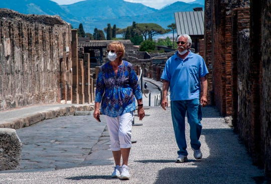 American couple waited 2 ½ months in pandemic lockdown to visit Pompeii