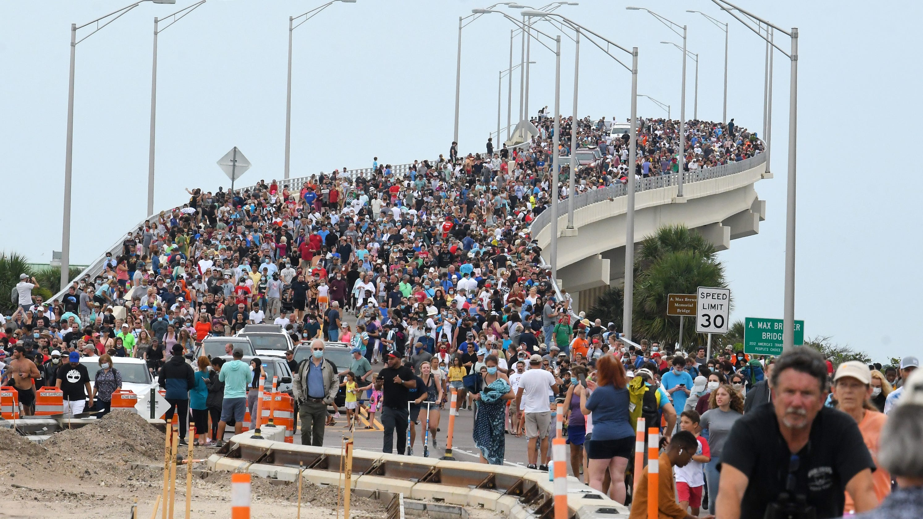 Bellaby: Photo of crowd on bridge for SpaceX launch captured our attention — for real