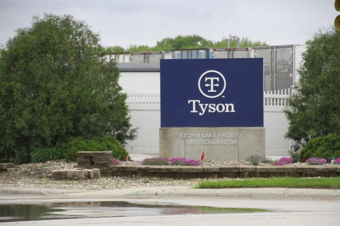 Despite new coronavirus outbreaks at its Iowa plants, Tyson Foods resumes attendance policy