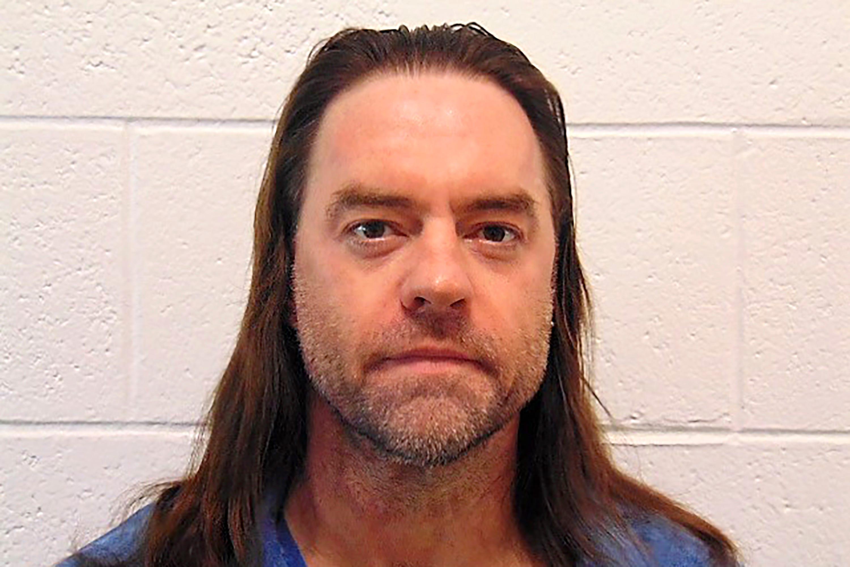Law school urges Gov. Whitmer to release prisoner...