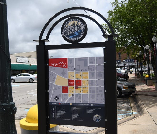 The new Mountain Home Entertainment District signs display a map of what is included in the district. The signs can be found at the four corners of the Baxter County Courthouse and at the four corners of the district.