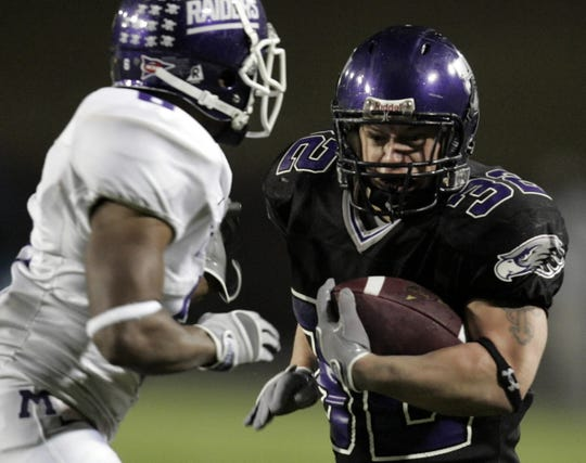 UW-Whitewater running back Justin Beaver turns the corner for extra yardage against Mount Union in the 2007 Division III college football championship game.
