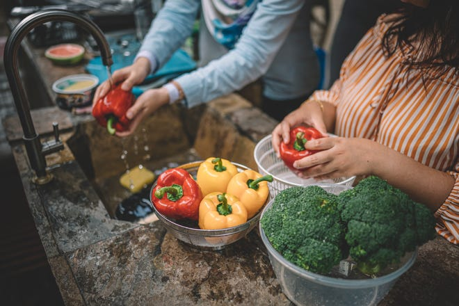 A local dietician offers tips to strengthen your immune system with nutritious foods.