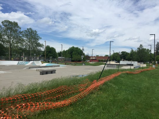 Ithaca city workers will replace fences around the Ithaca Skate Park that appear as if they wereeithertorn down by enthusiasts or are falling apart by natural means.