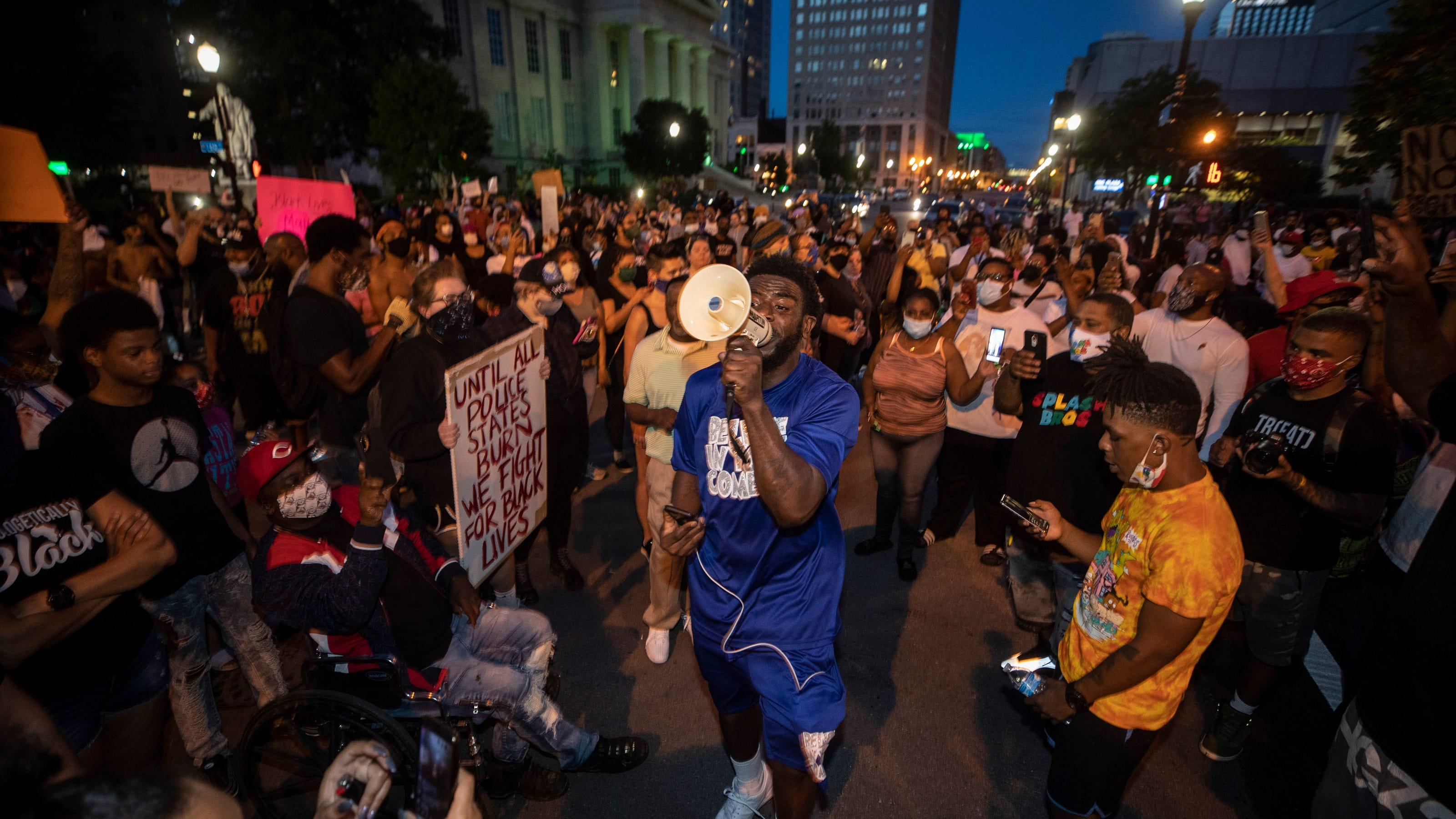 'No leads' on shooter who wounded 7 during Breonna Taylor protest in Louisville. Here's what we know