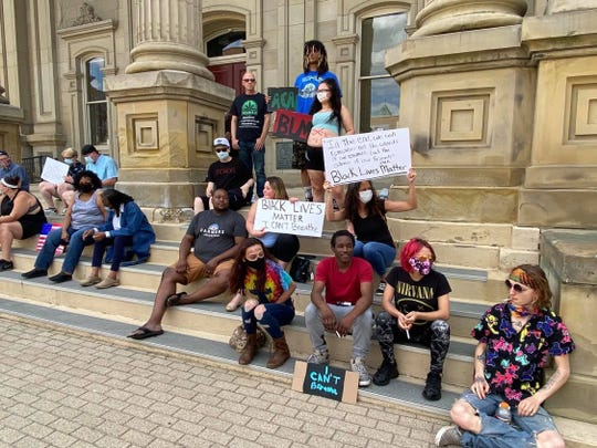 On Saturday, May 30, a group of protesters met outside of the Ross County Courthouse. The event was organized in response to the death of George Floyd after a police officer pressed his knee on Floyd's neck for more than eight minutes, and to show support to the Black Lives Matter movement.