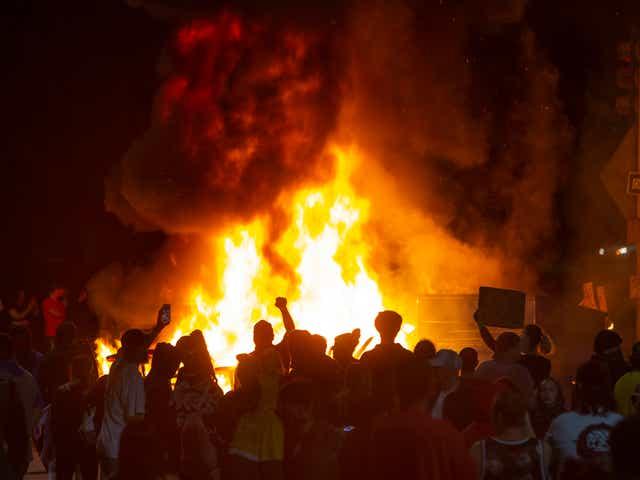 Portland protests George Floyd death turns violent, fires started Eugene