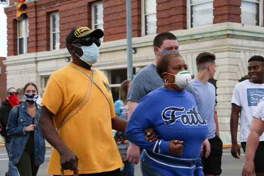 """Wearing face masks in public has not been mandated yet in Marion County, but local health officials recommend that residents engage in the practice to protect themselves and others during the ongoing coronavirus pandemic. Health Commissioner Traci Kinsler said this week she has no plans to recommend that local municipalities issue mandates for people to wear masks in public. Marion County is currently designated at Level 2 on Ohio's Public Health Advisory Alert System, which indicates """"increased exposure and spread. Exercise high degree of caution."""""""