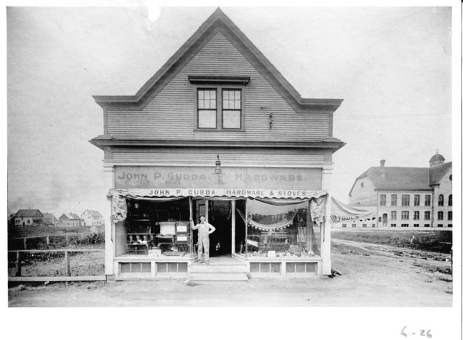 Gurda Hardware stood on 32nd St. and Lincoln Ave. from 1915 to 1965.