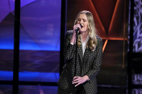 """Alyssa Newton of Las Cruces gets sings an original song on NBC's """"Songland."""""""