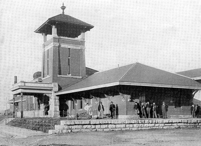 Union Passenger Station, 1911 Photo from the Illustrated Henderson 1911, issued by  the Henderson Commercial Club, Published by Cincinnati Illustrated Publishing Co. 1911