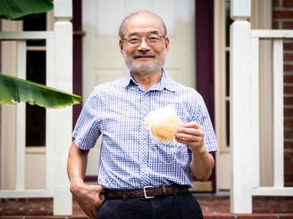 Peter Tsai, the inventor of the N95 filtration material, is photographed at his Knoxville 真人百家家乐官网网站home on Wednesday, June 3, 2020.