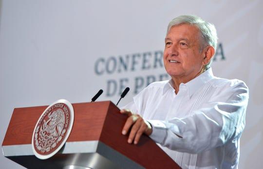 Fotografía cedida este miércoles por la presidencia de México, del presidente mexicano, Andrés Manuel López Obrador, durante una rueda de prensa matutina en el estado de Campeche.